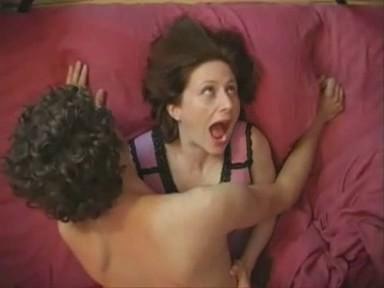 Мужик довел бабу до бешеного оргазма