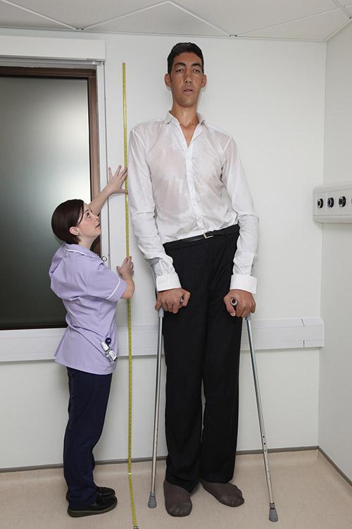 высокий и низкий мужчина картинка были сделаны после